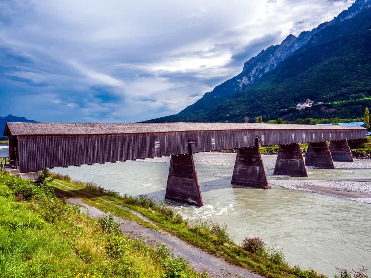 Alte Rheinbrücke zwischen Sevelen und Liechtenstein