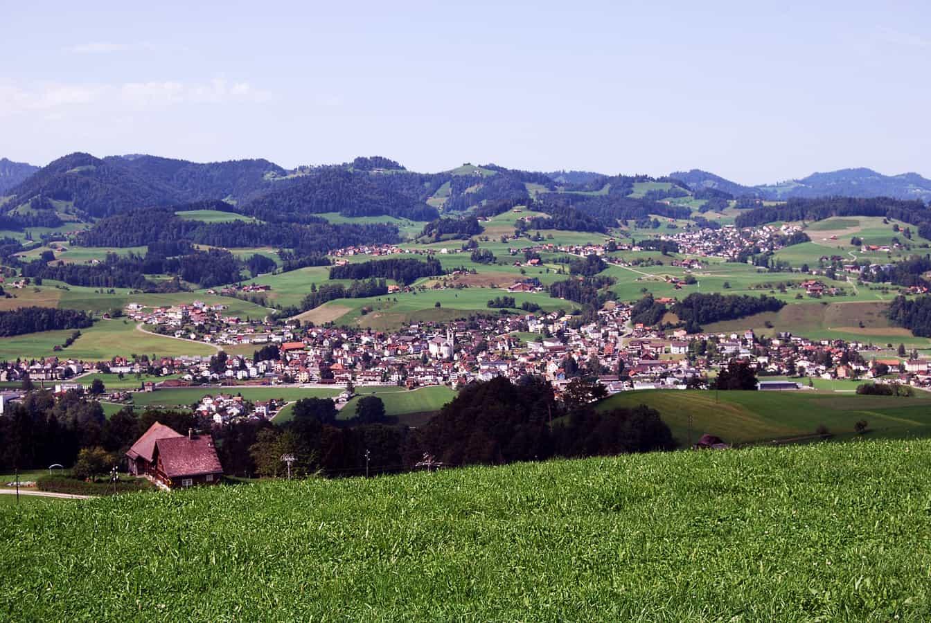 Bütschwil, Blick von einer Anhöhe an der Strasse von Ganterschwil nach Oberhelfenschwil