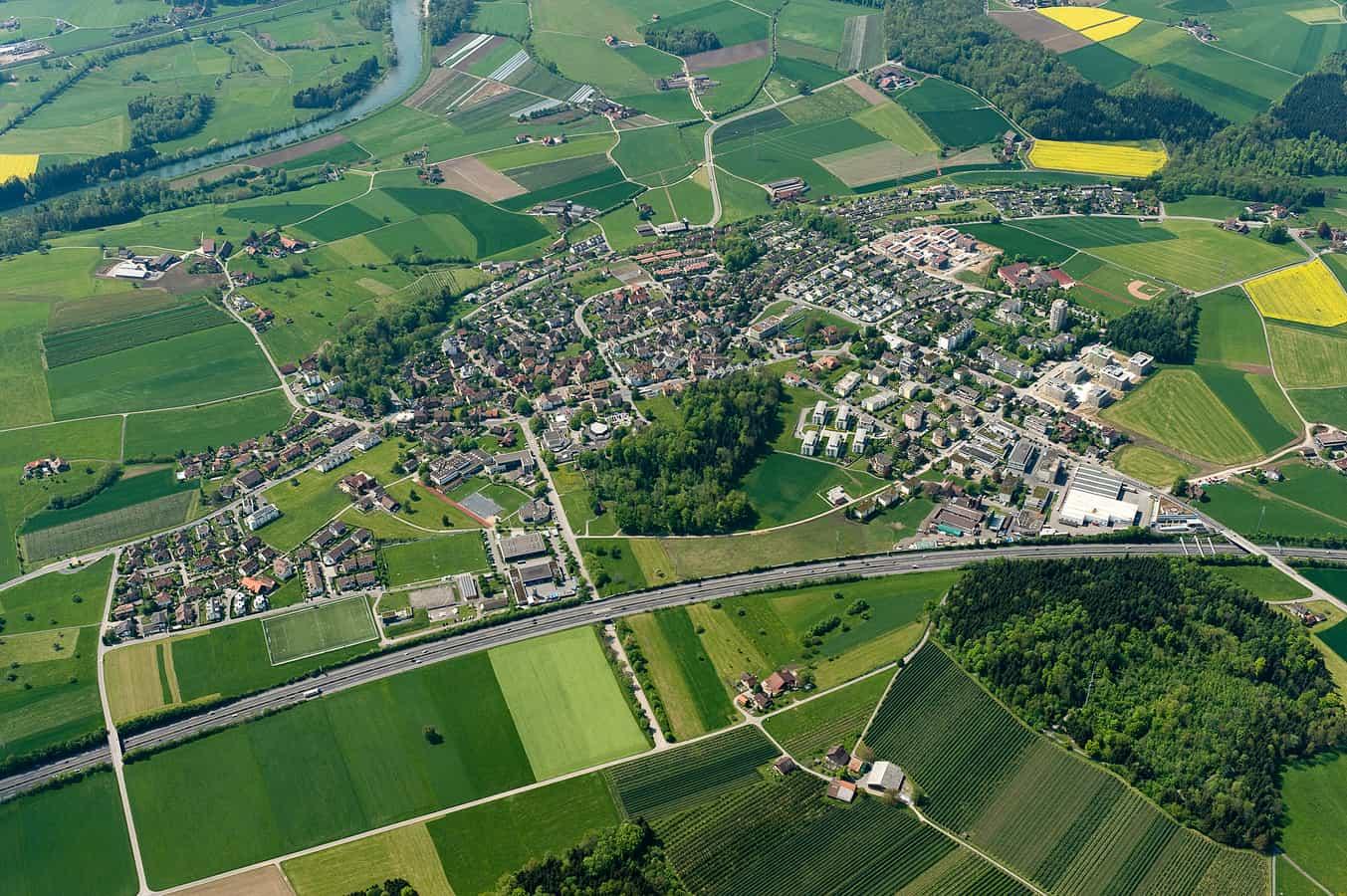 Luftaufnahme von Hünenberg