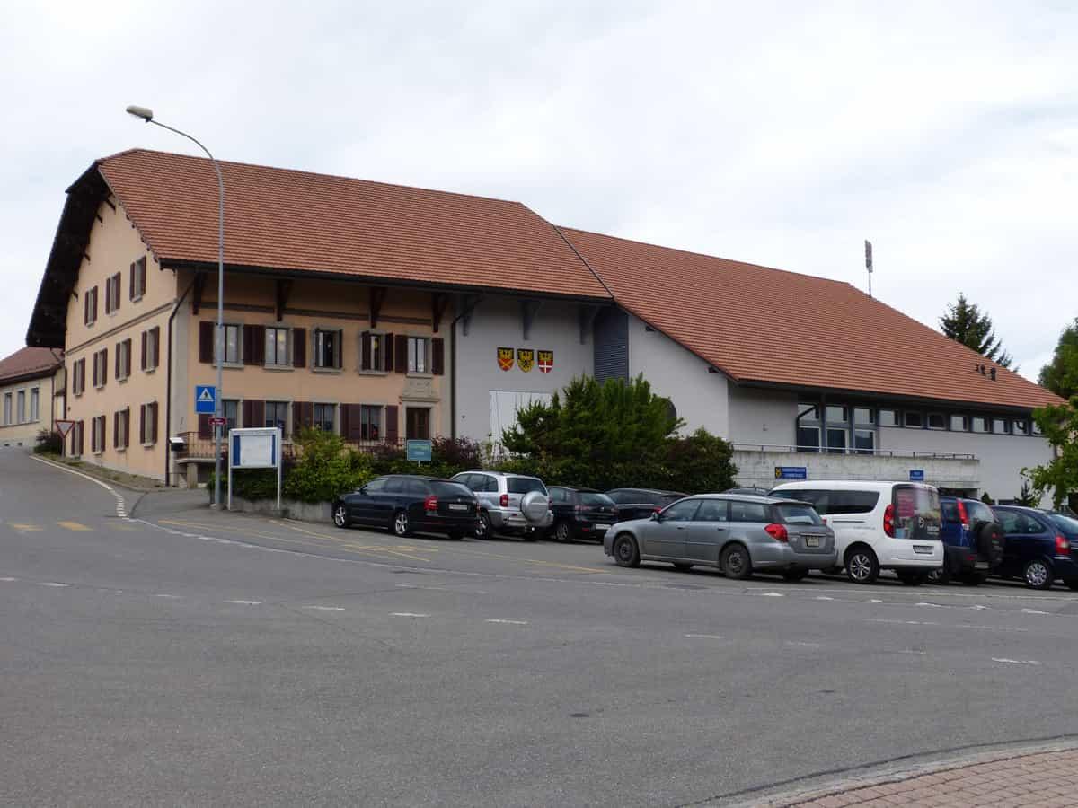Vue de la maison de commune de Saint-Martin.