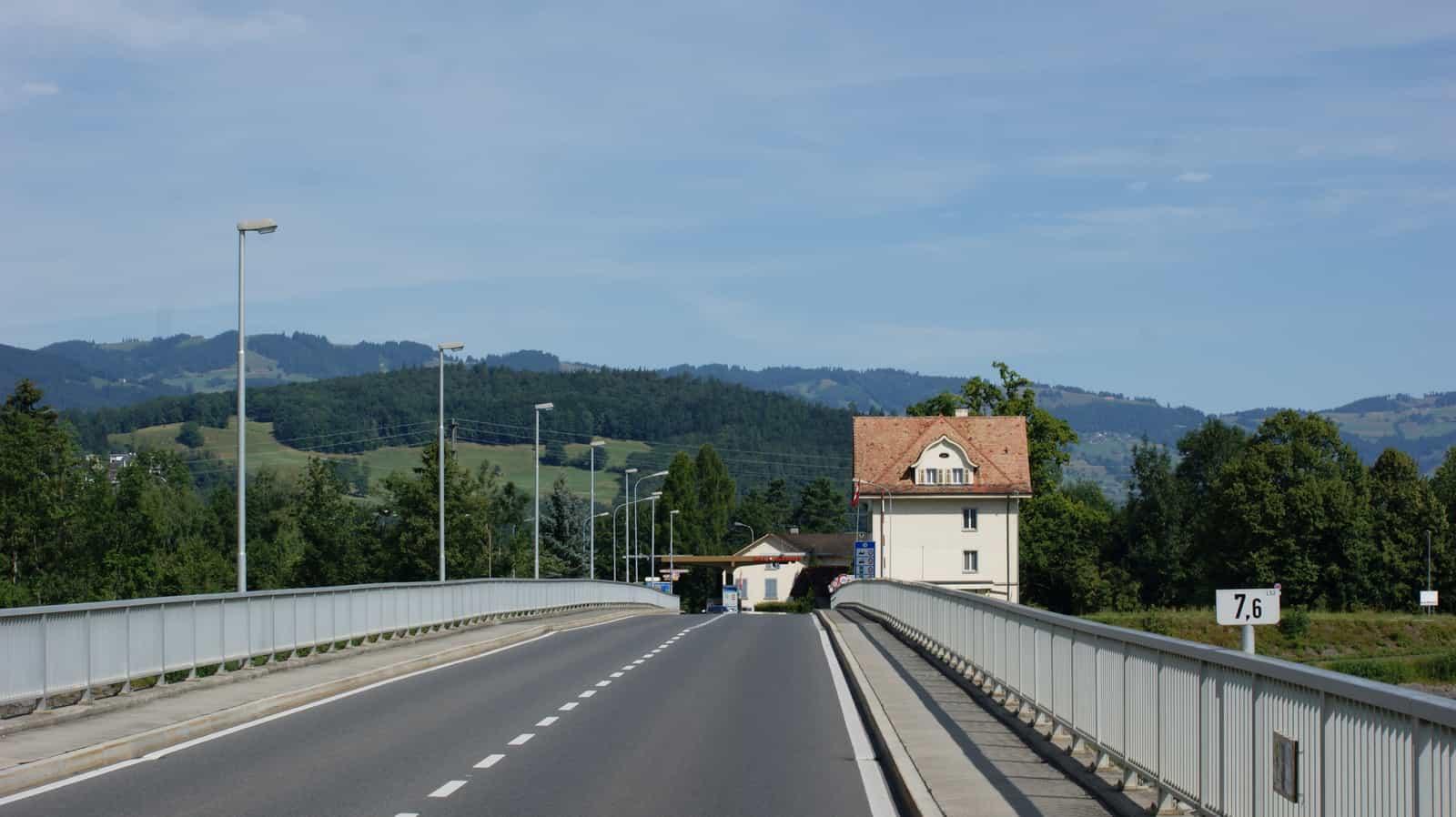 Grenzübergang Meiningen in Feldkirch (Vorarlberg, Österreich) - Oberriet (Schweiz).