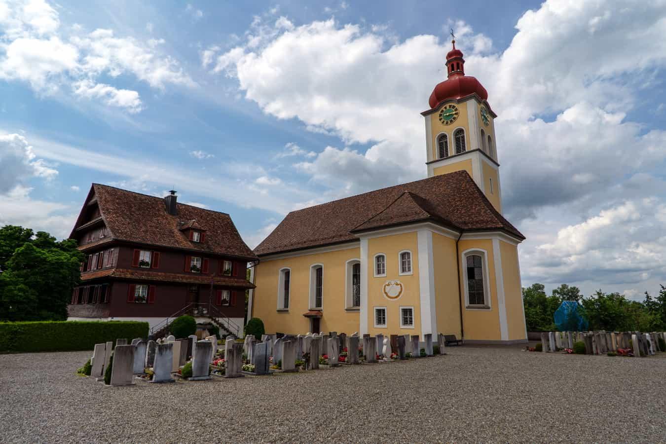 Dorfkirche St. Luzia in Aesch