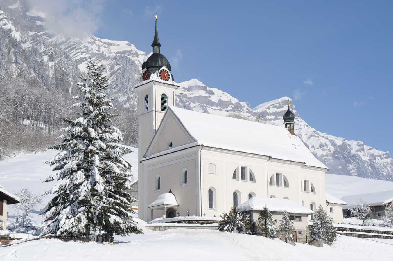 Katholische Pfarrkirche St. Sigismund und Walpurga Muotathal