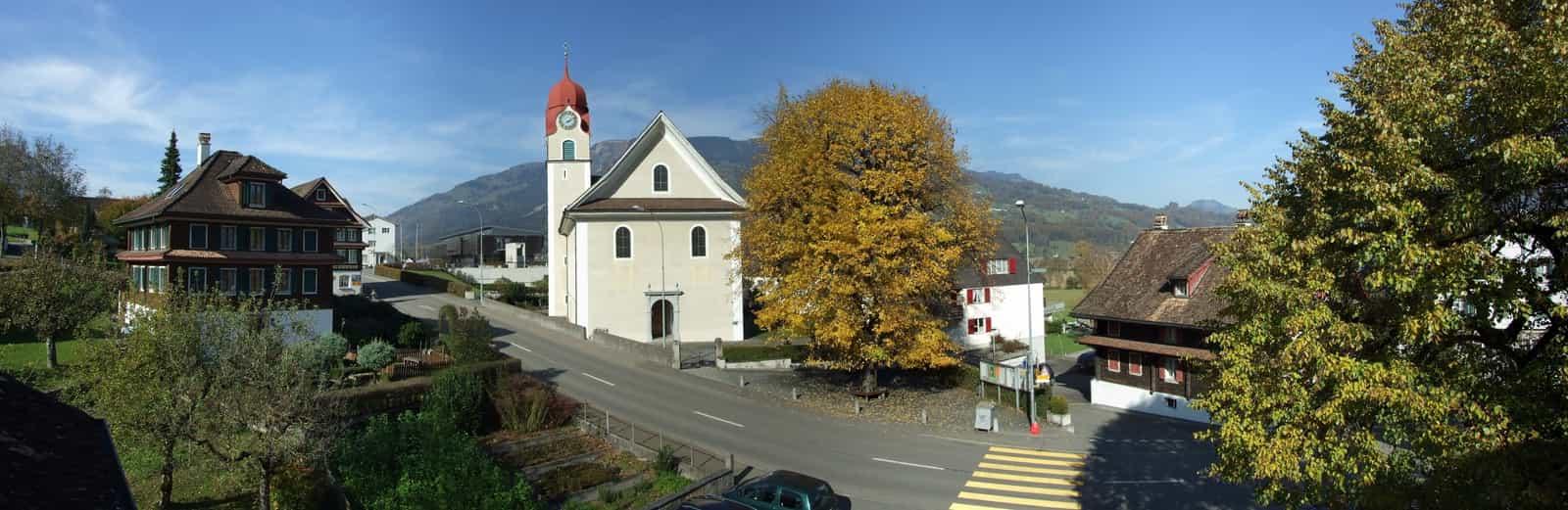Ortskern von Lauerz mit Kirche