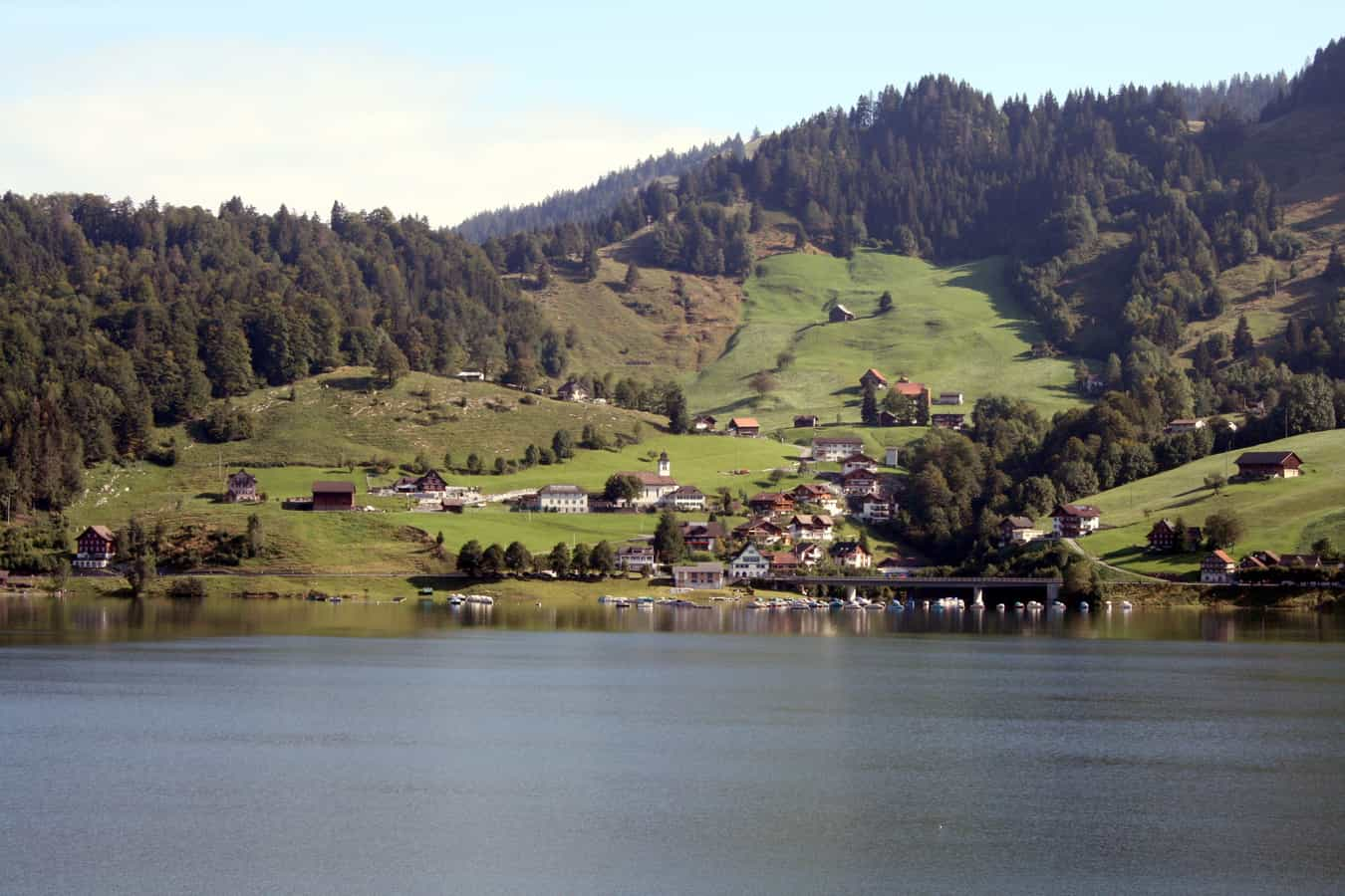 Innerthal vom Wägitaler See aus gesehen