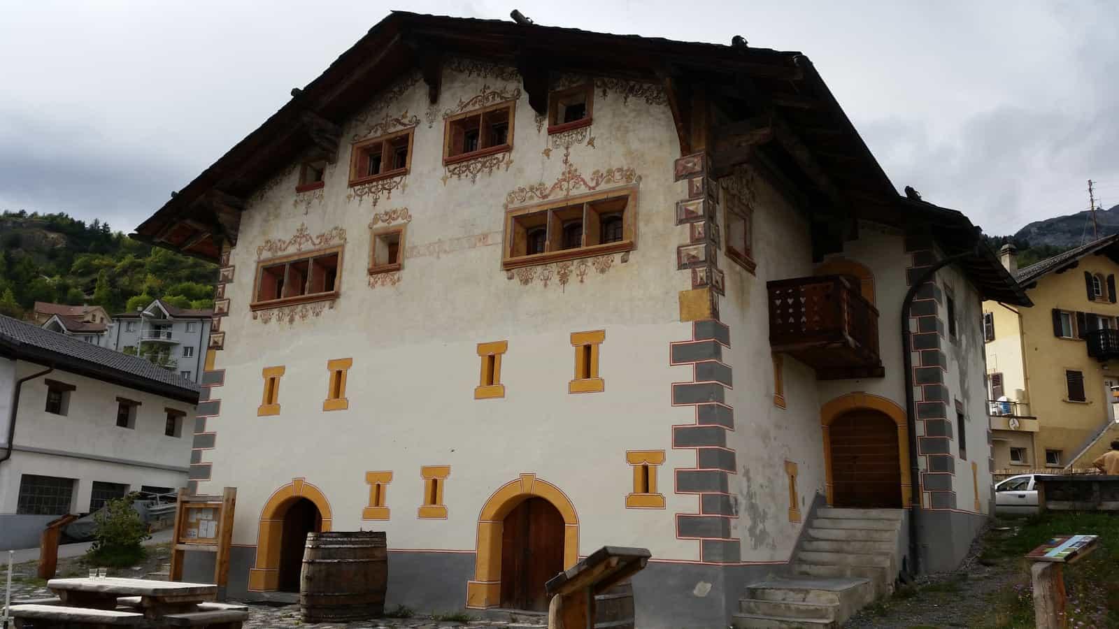 Maison peinte in Botyre